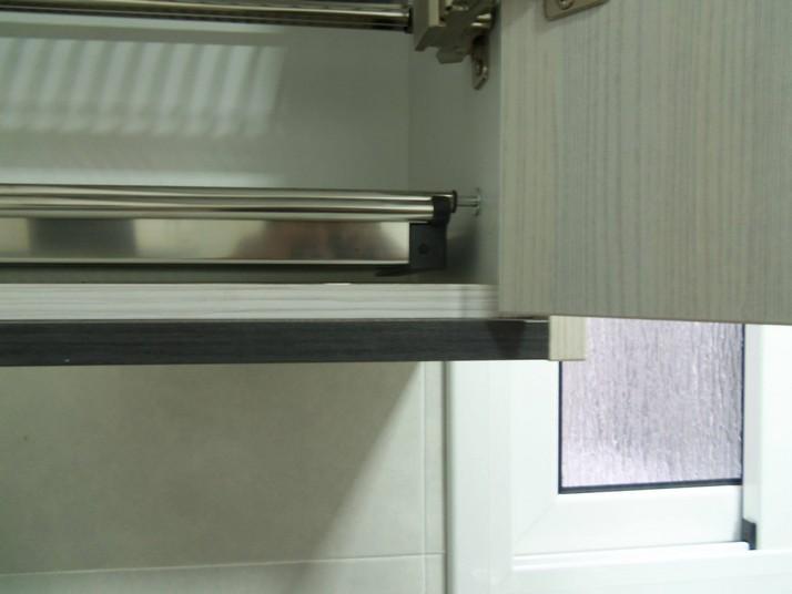 cocina olmo blanco canto del mismo color que la puerta