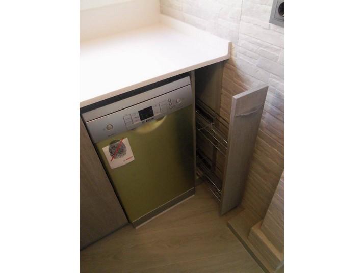 Reforma cocina roble gris detalle del lavavajillas