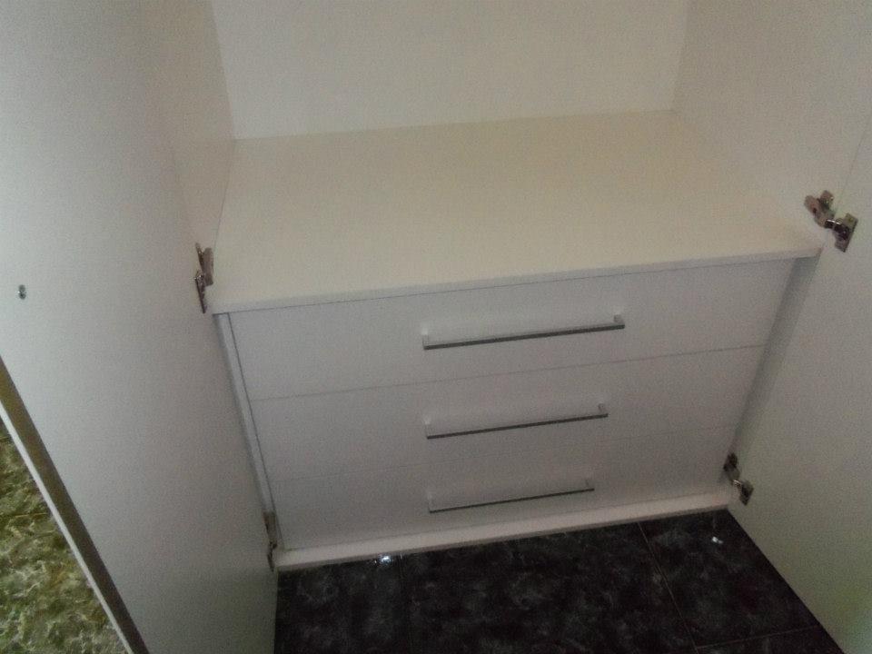 Cajones del armario a medida blanco luxe