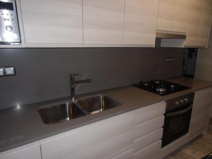 Cocina abedul blanco cocinas franc for Cocinas de silestone