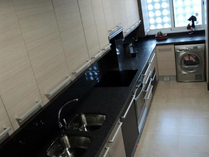 Muebles de cocina a medida color roble claro y mate